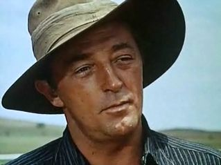 Robert Mitchum Height - How Tall?